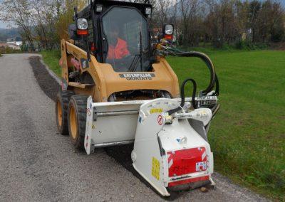 asfalto frezavimo bugnas su ivairiais plociais ir dydziais