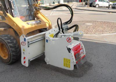 Asfalto freza FS frezuoja asfalta