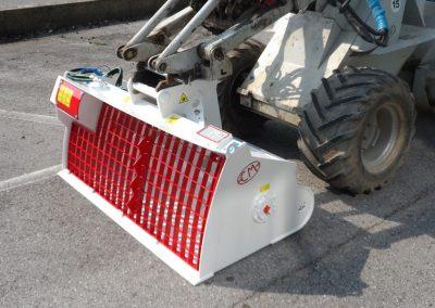 Betono maisykle kausas CMIX ant mini frontalinio krautuvo