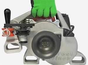 Sukurtos visos VF80 BOLT dalys yra ergonomiškos ir lengvos. Struktūrinė rankena korpuse.