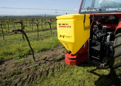 Elektrinė žolių sėklų sėjamoji ES 100 M1 Classic darbui soduose, vynuogynuose