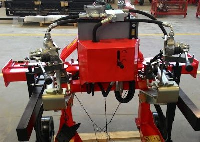 Hidraulinis valdymas ravėjimo hidrauliniams rotoriams