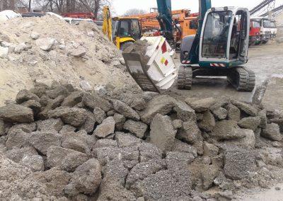 Kaušas trupintuvas smulkintuvas CBF trupina smulkina asfaltą