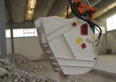 Kaušas trupintuvas smulkintuvas CBF trupina smulkina betoną