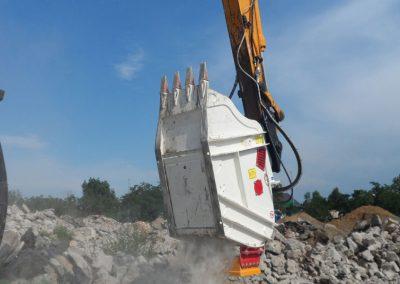 Kaušas trupintuvas smulkintuvas CBF smulkina statybines atliekas su magnetu