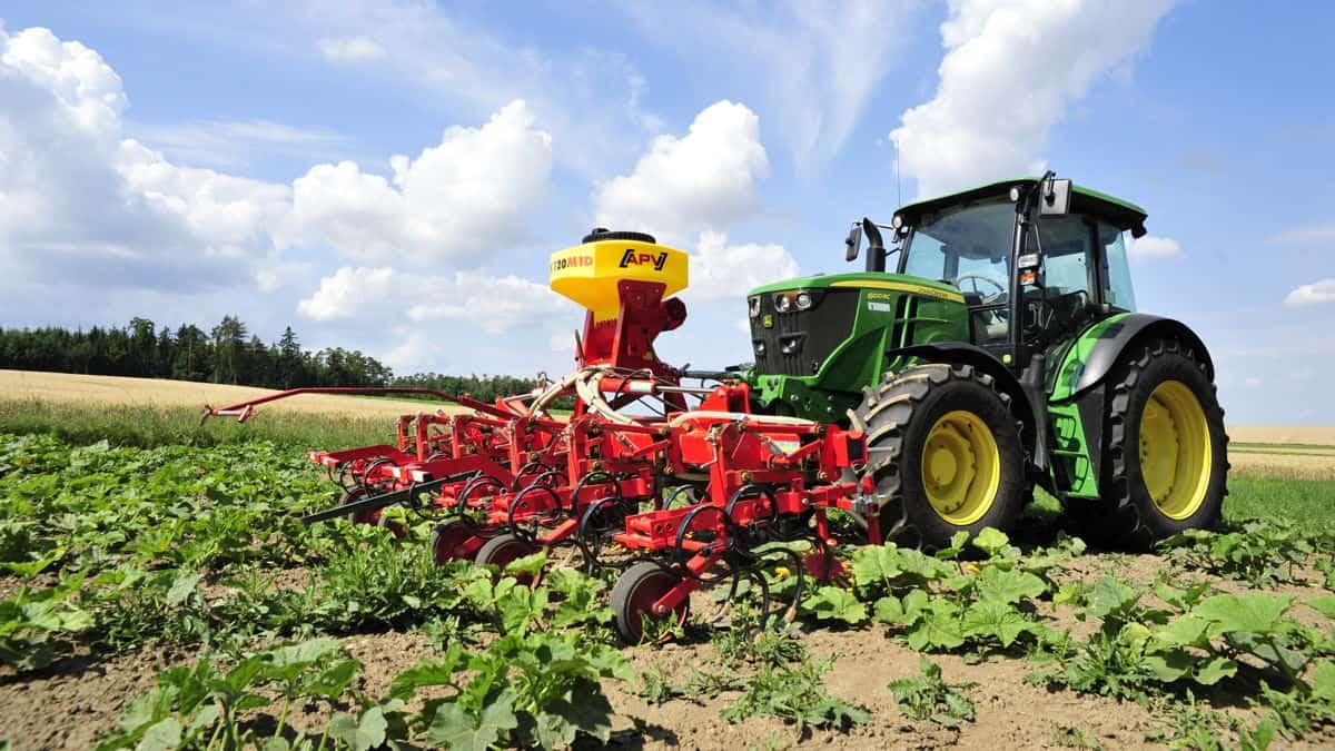 PS 120 M1 elektrinė pneumatinė sėjamoji dirba ravint daržoves