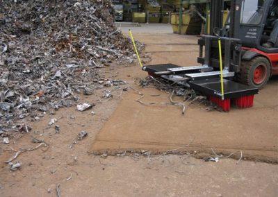 Su šluota V13 šluojamos metalo atliekos