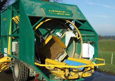 Stačiakampių ryšulių kukurūzų presas MVA750 stumia ryšulį