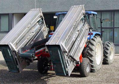 darzoviu derliaus nuemimo transporteris NU940 dviem dirzais transportineje padetyje
