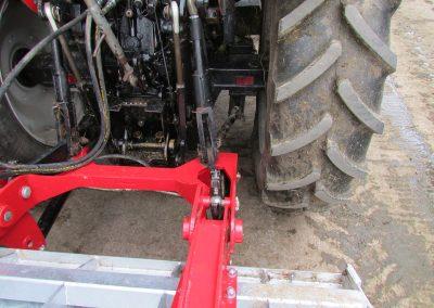 Kreiktuvo AG175 Xtra pakabinimo rėmas pakabintas ant traukės