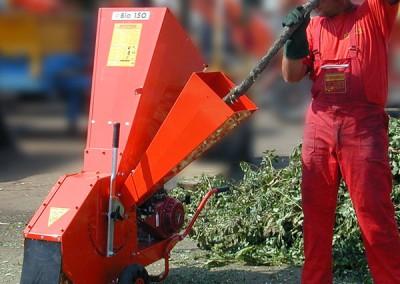 Šakų ir žalienų smulkintuvas BIO 150 įmonėms tvarkančioms aplinkas