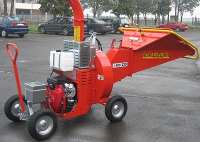 Šakų smulkintuvas BIO 230 ideali mašina komunaliniam ūkiui